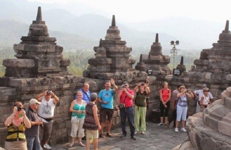 Jumlah Kunjungan Wisman ke Indonesia Anjlok 88,95 Persen