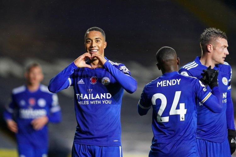 Menang Besar, Leicester Naik Peringkat Dua Liga Premier