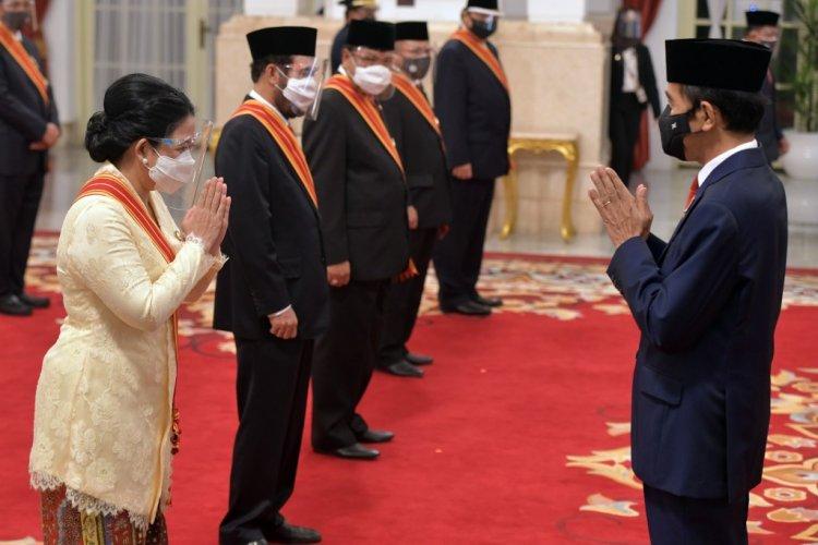 Presiden Anugerahkan Tanda Jasa dan Kehormatan