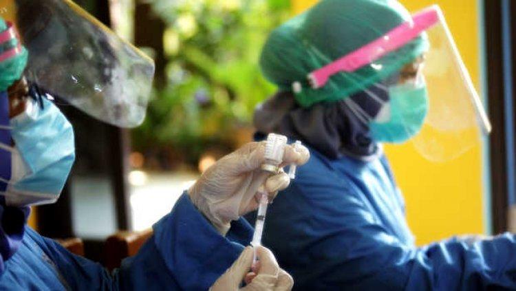 Vaksinasi Dosis Pertama di Depok Capai 58,44 Persen